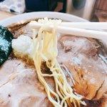 81659544 - 麺は細麺ストレート