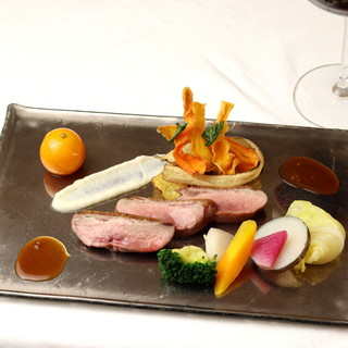 新鮮な食材を使用したコース料理とジビエ料理をご堪能ください◎