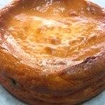 雪岡市郎兵衛 洋菓子舗 - 丹波黒豆のチーズケーキ アップ
