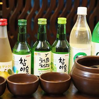 """韓国料理にはやっぱり""""マッコリ""""♪他韓国酒も多数ご用意!"""