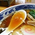とら食堂 - 透き通った醤油スープ