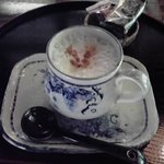 春秋風亭 - ケーキセットのカプチーノ
