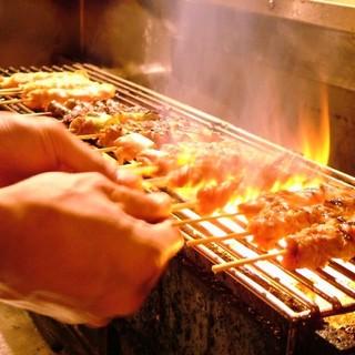 炭火で丁寧に焼き上げます。