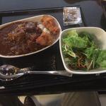 ANAラウンジ - カレーにから揚げトッピング&サラダ