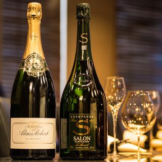 フランスのヴィンテージワインを中心にご用意