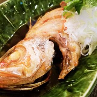 人気の宴会コースは飲み放題付きで5,000円ポッキリ!