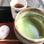 お休み処 清め茶屋 - 料理写真:きよめ餅とお抹茶