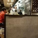 餃子バル - カウンター