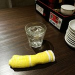 餃子バル - お水とおしぼり