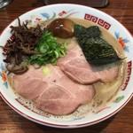 濃厚ラーメン かなや - 「濃厚ラーメン」780円+味玉