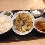 八起 - レバ野菜炒め定食