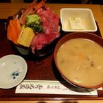 玉乃光酒蔵 - 海鮮丼1000円