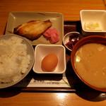 玉乃光酒蔵 - 豚汁定食900円