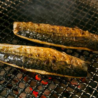 完全無添加でつくられた、越田商店の干物「鯖」を使用