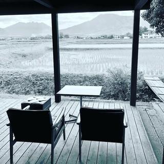 ペットもOK!阿蘇五岳と田園風景を臨むテラス席完備