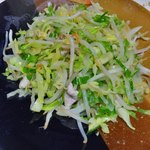 一龍食堂 - 肉野菜炒めは550円とこのお店ではかなり高額メニューでした