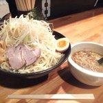 鈴木味噌ラーメン店 - 「つけ麺(メガ盛)」1,050円