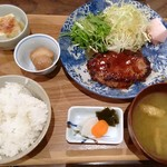 椿食堂 - 手作りハンバーグ定食 1,100円