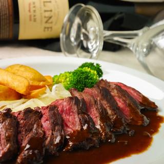 おすすめの赤ワインが肉溢れるハラミステーキにぴったり