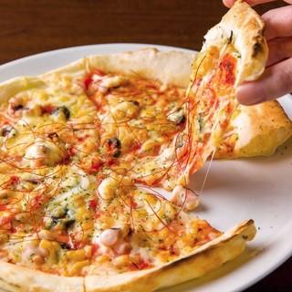 【直径28cm】自慢の手打ちピザはサイズとコスパが超優秀!!