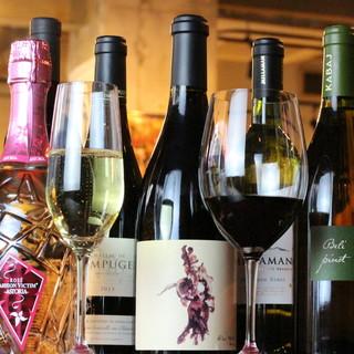 オーナー厳選!50種類以上◎おいしいワインで最高の1杯を!