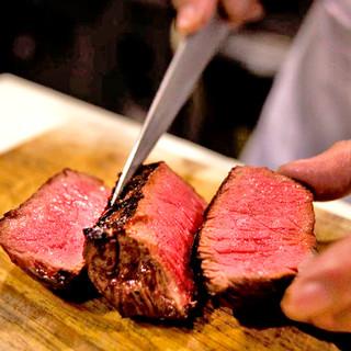 肉本来の旨みが凝縮された、岩手県産「門崎熟成肉」