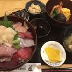 直 - 料理写真:海鮮丼セット