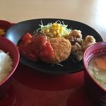 ジョイフル - 料理写真:・日替り昼膳<ミニハンバーグ+ポテトコロッケ+若鶏の唐揚げ>+豚汁