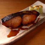 ごはんや一芯 - 鰆の赤味噌醤油焼き
