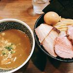 煮干しつけ麺 宮元 - 料理写真:特製極濃煮干しつけ麺(1,030円), 中盛り(+50円)