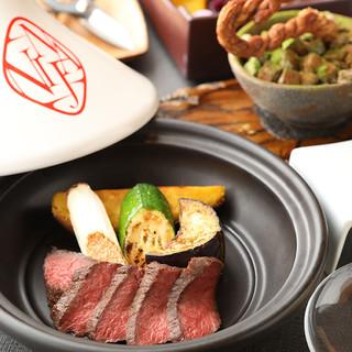 オリジナルの石窯で焼き上げる近江牛ステーキ