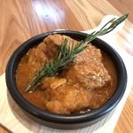 カチャトーラ 鶏モモ肉の柔らかトマト煮