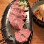 炭火焼肉 舞牛 - 料理写真: