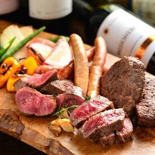 シェフ渾身の新感覚の肉料理が味わえる!ドリンクも豊富♪