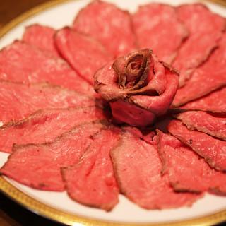 【食材へのこだわり】牛肉は知多牛を使用!全て手作りでご提供。