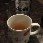 いーすと - 瓶ビールはグラスじゃなくて スープと同じカップで笑えました(≧∀≦)