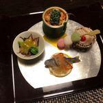 旬亭 - 春子南蛮漬け、ホタルイカの辛味噌和え、桜エビ、お豆の前菜