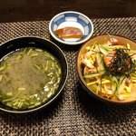 旬亭 - 蒸し寿司、もずくのみそ汁、香の物