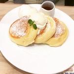 幸せのパンケーキ - 幸せのパンケーキ(ホイップクリームトッピング)  ¥1100+100-