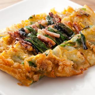 流行りの一品から定番の一品まで、韓国の家庭料理をご提供☆
