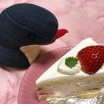 81750357 - 苺のショートケーキ