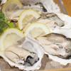 イタリアンバールエル - 料理写真:生牡蠣人気です!ライムや エシャロット&シェリービネガーで♪