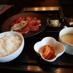 Yakinikutoraji - 焼肉御膳M