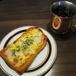 星乃珈琲店 - 料理写真:ハムチーズトースト!
