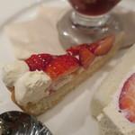 フタバフルーツパーラー - 苺のフェスティバルプレート:ミニパフェ タルト フルーツサンド4