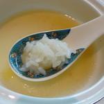 厲家菜 - レンゲにご飯を乗せ、スープをすくって頂きました
