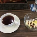 ティノ - 最後はデザートのアイスクリームとコーヒーを頂いて昼からホテルである会議に向わせていただきました。