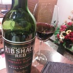 徳寿 - 南アフリカ『リブ・シャック・レッド』肉専用赤ワインとのことでいただいてみました。