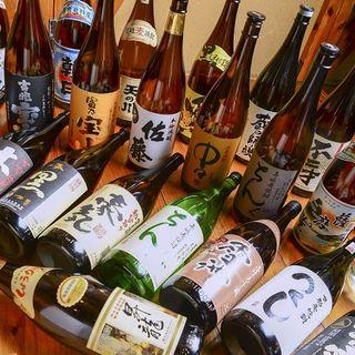 全国各地から取り揃えた日本酒と焼酎の数々をお料理とご一緒に