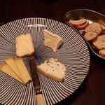 ラボ - チーズ盛り合わせ